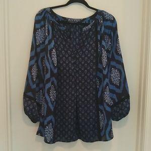 Jones New York blue & black vneck blouse